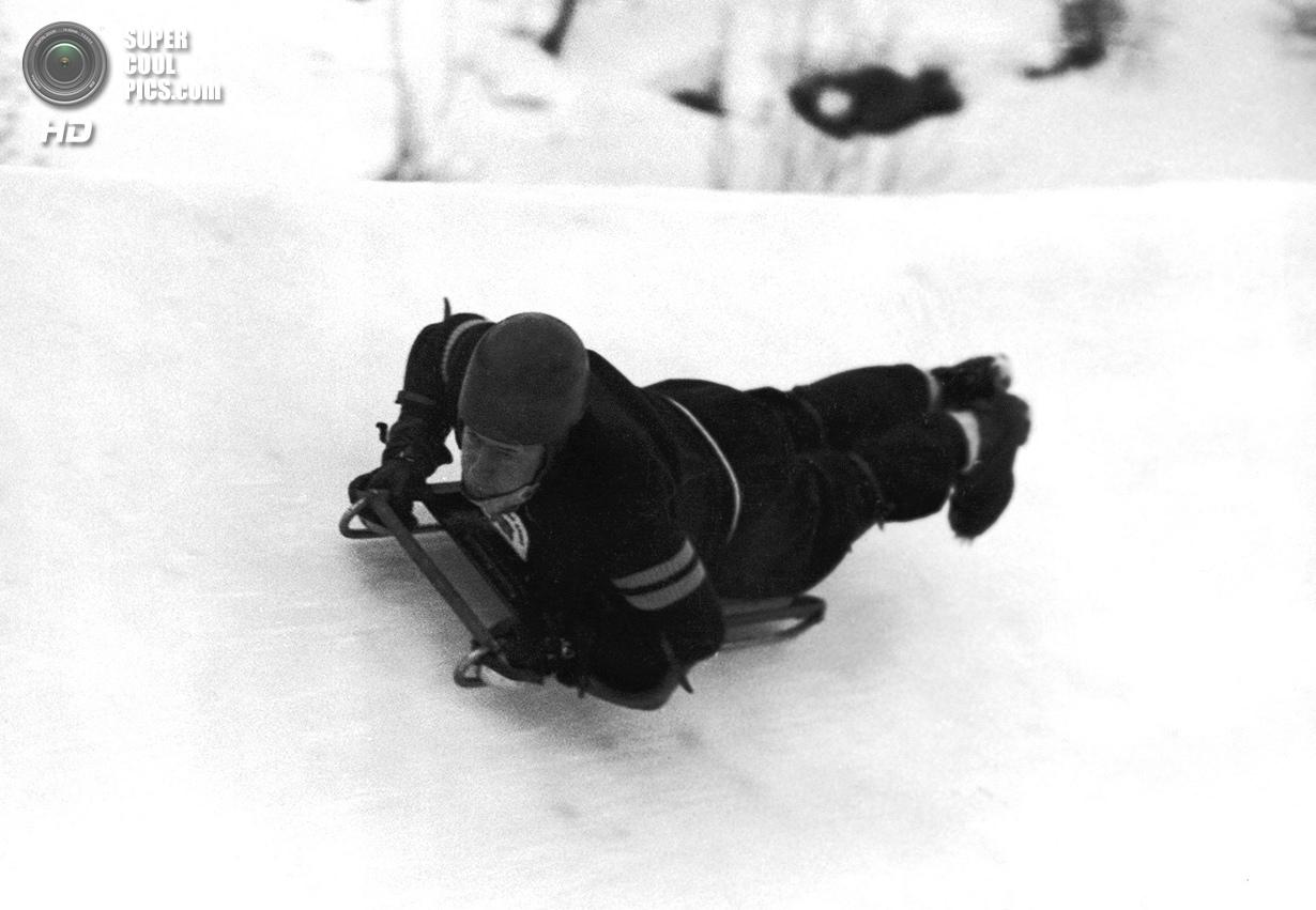 Швейцария. Санкт-Мориц, Граубюнден. 3 февраля 1948 года. Джей Краммонд из Великобритании выигрывает