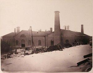 Вид здания Большого прокатного завода, расположенного на территории Адмиралтейских Ижорских заводов.