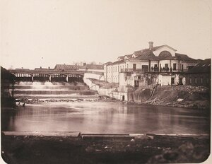 Вид здания, где располагалась малая машинная [мастерская], слева - плотина № 2.
