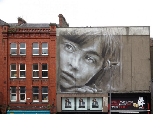 Gigantic Wall Portraits