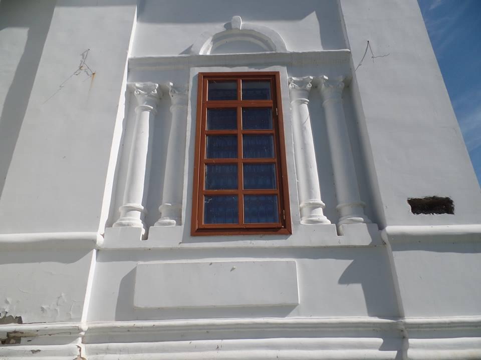 Какая-то странная ниша в стене храма (30.06.2016)