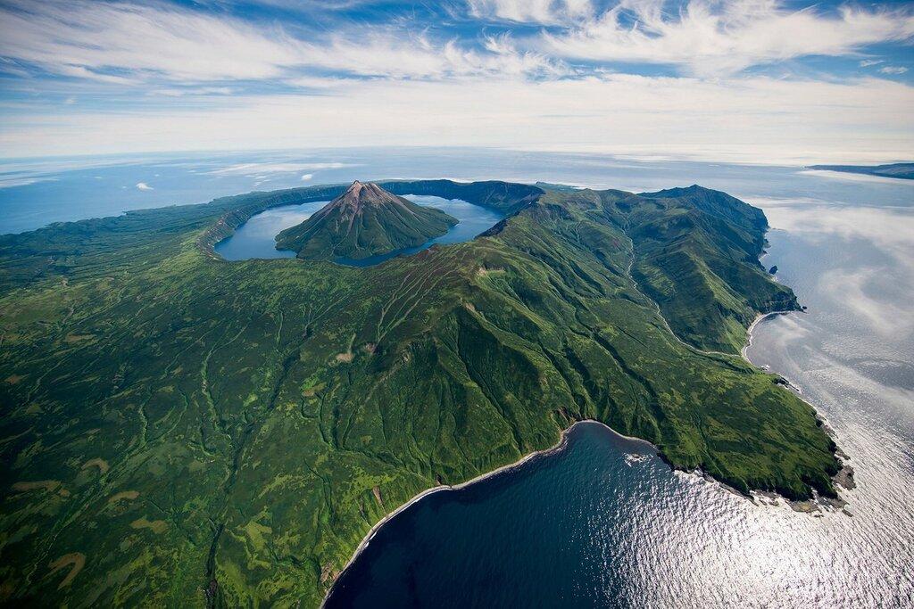 Остров Онекотан, Курильские острова