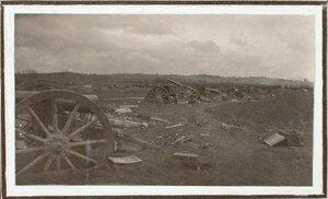 Вид разрушенной батареи по дороге на форты группы Седласка.