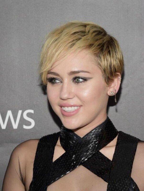 Модные причёски года: 10 звёздных примеров