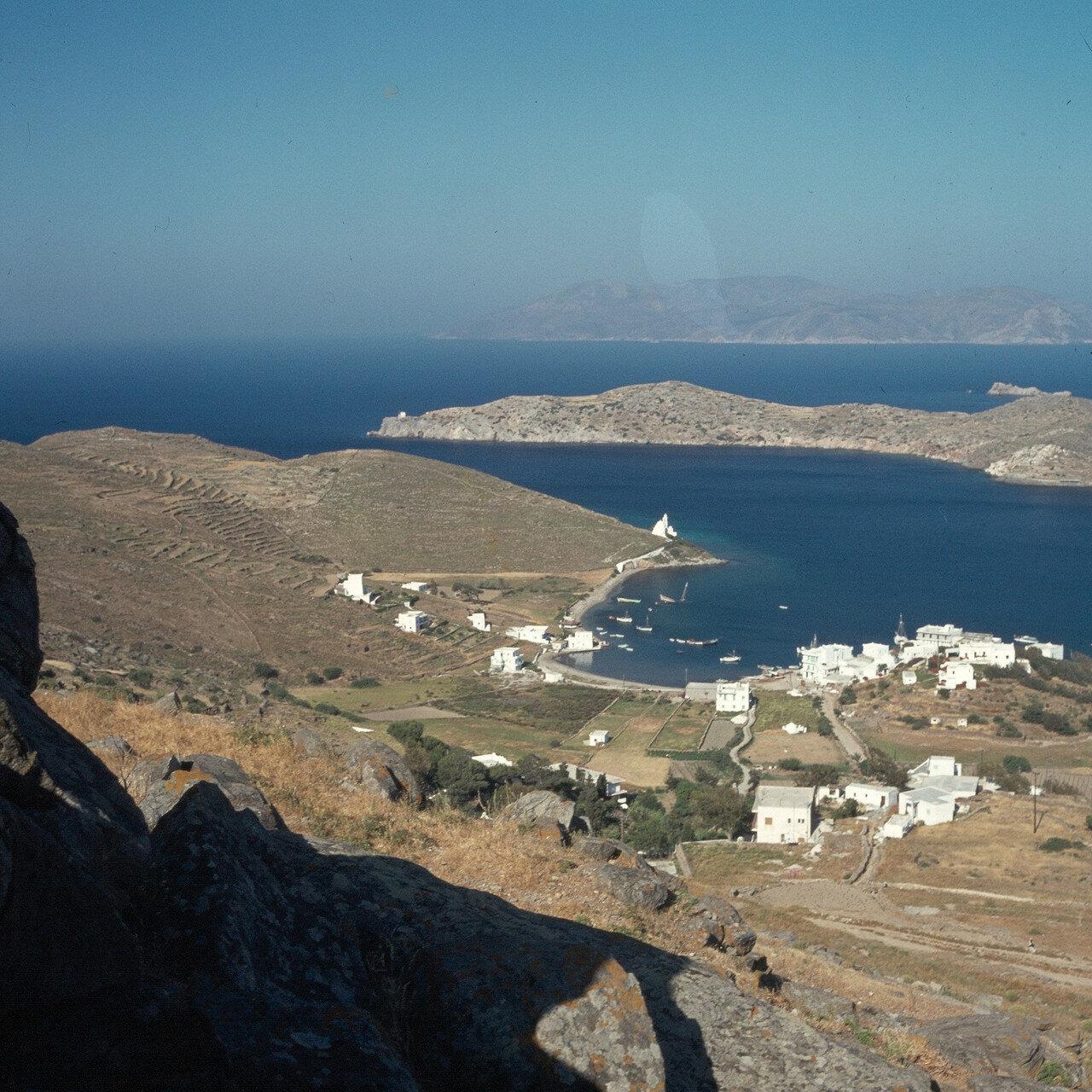 Иос. Вид Хора и острова Сикинос