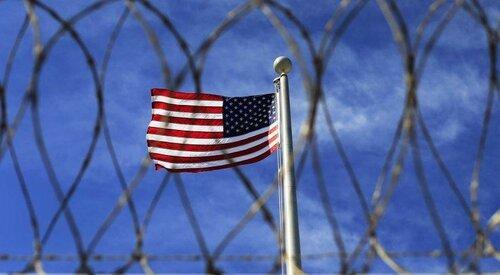 Заключенные в Техасе спасли охранника, вырвавшись из камеры