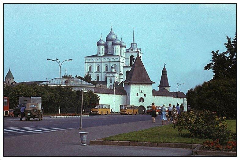 Псков. Площадь Ленина. СССР, 1986 год.jpg