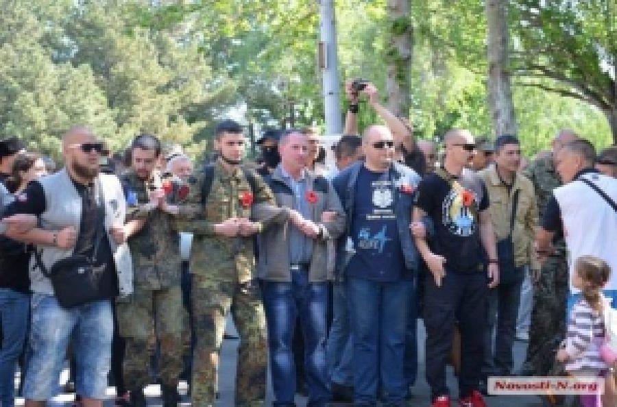 В Николаеве 9 мая патриоты победили необільшовиків