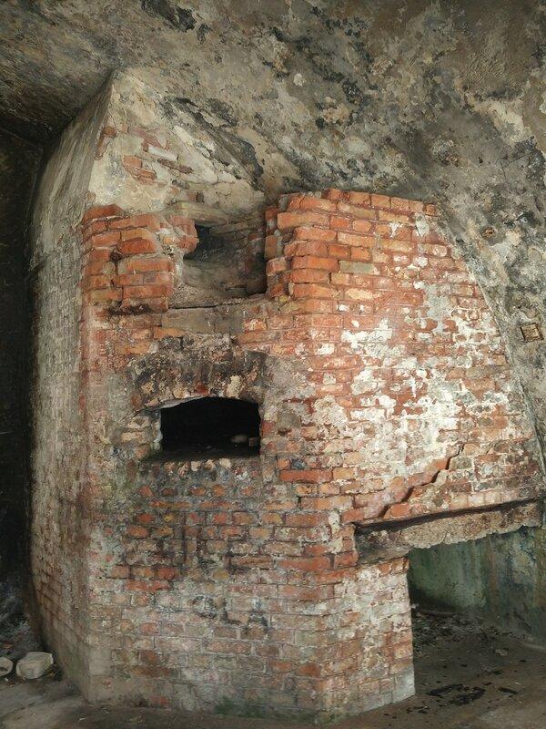 Голубая пещера, крепость Мамула, Луштица