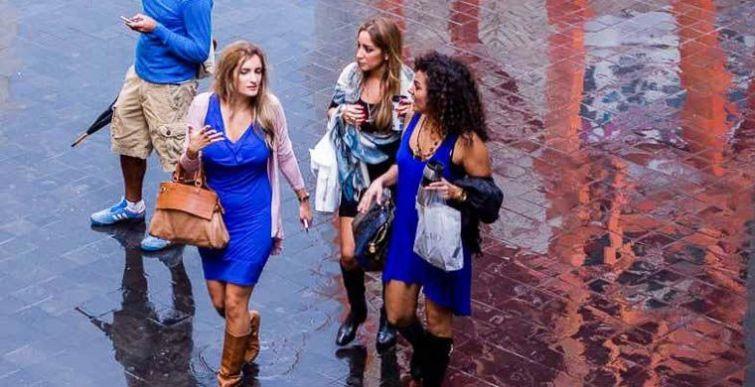2. Бейрут, Ливан В Беруте женщины зачастую носят платья и прямые юбки с яркими аксессуарами. Чтобы п