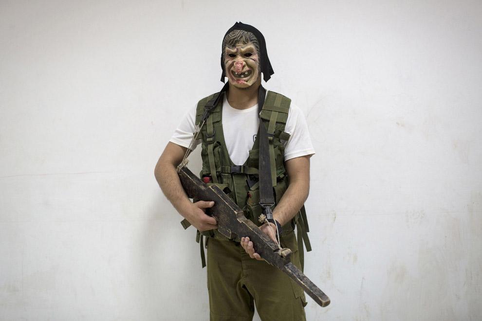 5. Все граждане Израиля старше 18 лет призываются на действительную военную службу, а затем на