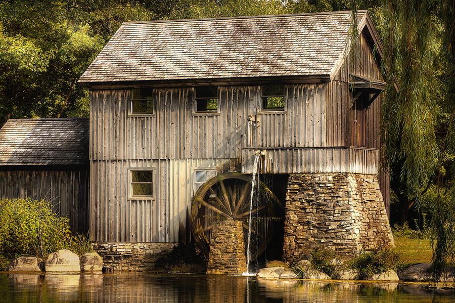 15. Старая мельница в городке Рокфолд, Иллинойс, США.
