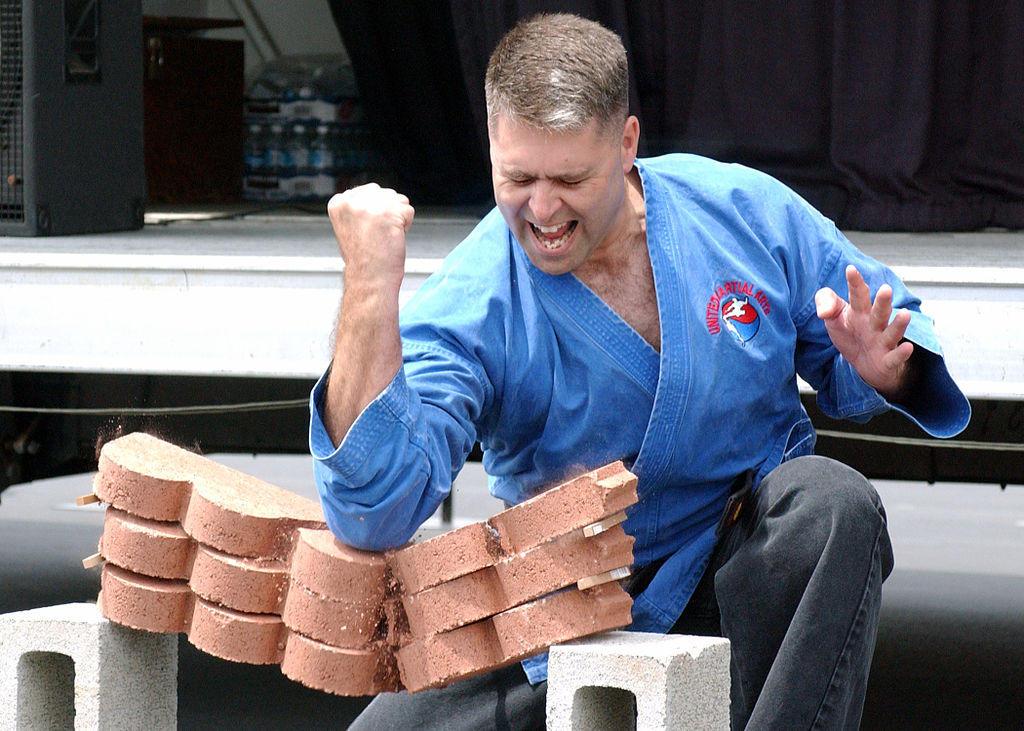 6. «Упражнение» для каратистов Пик популярности карате в Советском Союзе тоже пришелся на 80-е годы,