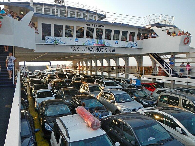 Автомобили на пароме «Glykofilousa III» (IMO 8647854) - Путешествие из Кирова в Крым на автомобиле