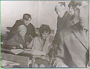 Случайно, однажды, на перемене ... Татьяна Анатольевна, любимая классная руководительница незабвенного, выпускного 10 Б. 1972 год... .jpg