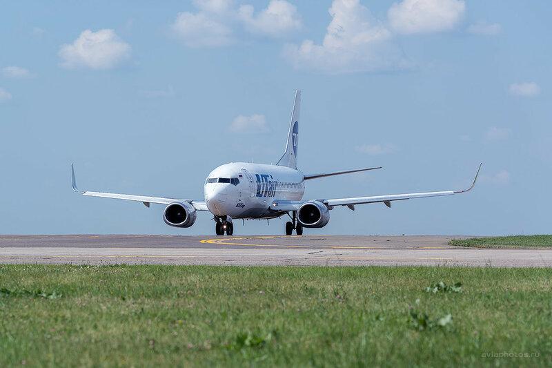 Boeing 737-524 (VQ-BJV) ЮТэйр 0170_D804425b