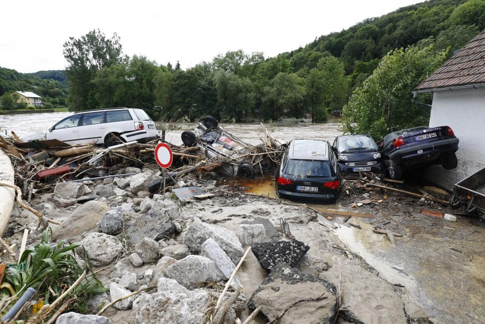 Жуткие кадры потопа в Германии