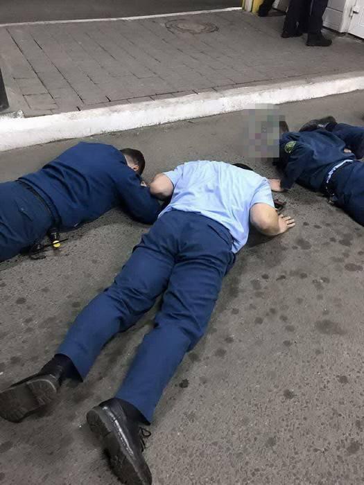 Двое таможенников задержаны на Закарпатье за систематическое взяточничество, - СБУ. ФОТО