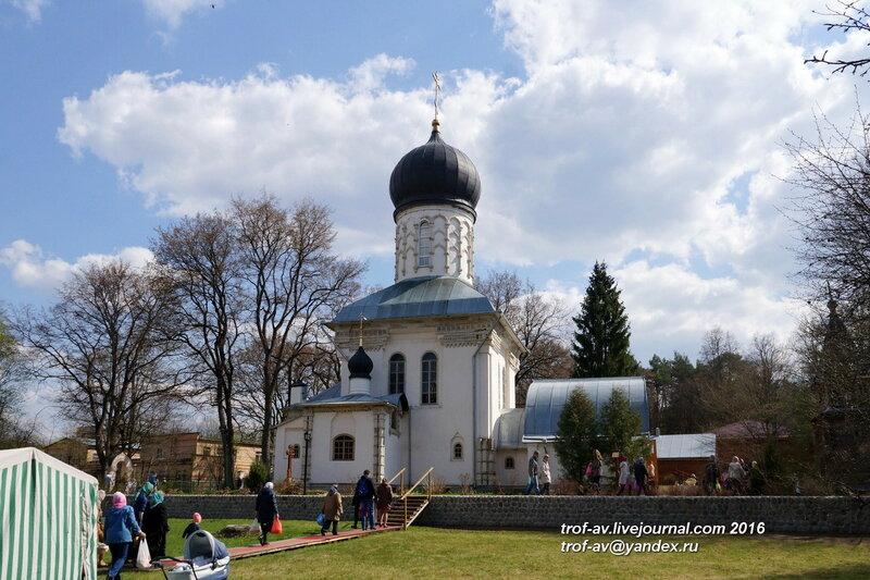 Церковь Великомученика Пантелеимона Целителя, поселок санатория Герцена