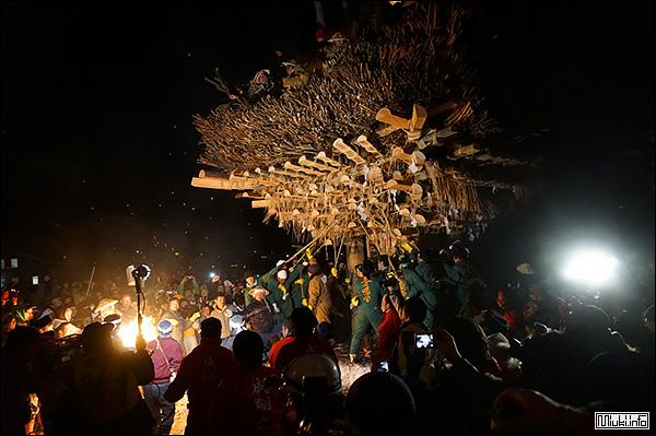 Фестиваль огня в Нодзава Онсэн