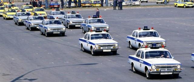 Принять вправо и остановиться: милицейские автомобили в СССР (58 фото)