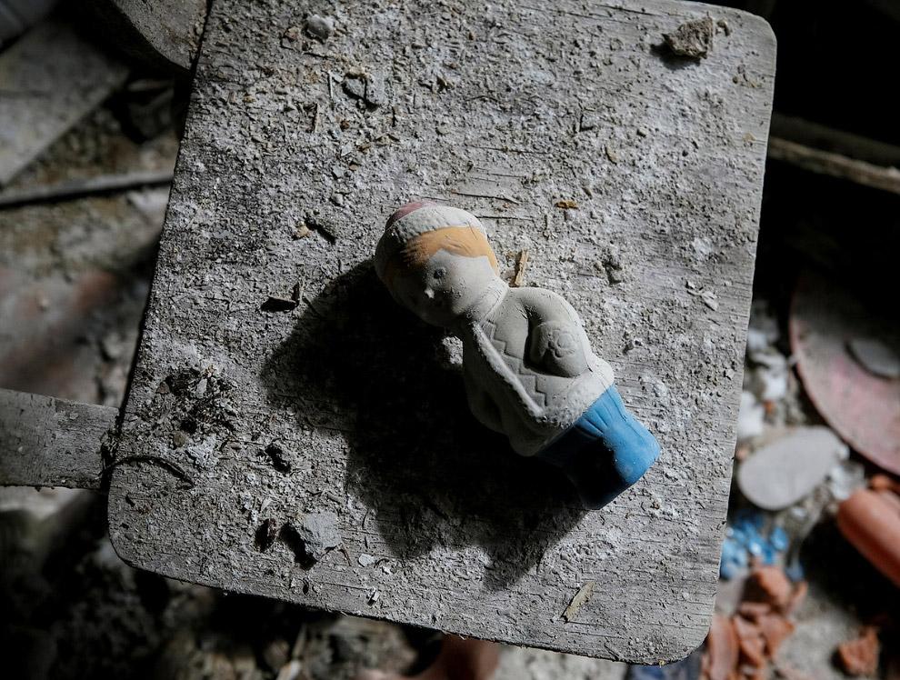 7. Украинские официальные лица предполагают, что Припять будет необитаема еще 20 000 лет. (Фото
