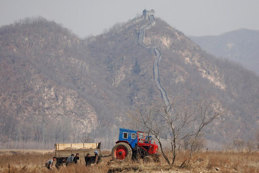 4. Мост, разрушенный во время Корейской войны на реке Ялу в Северной Корее, 26 мая 2009 (Фото P