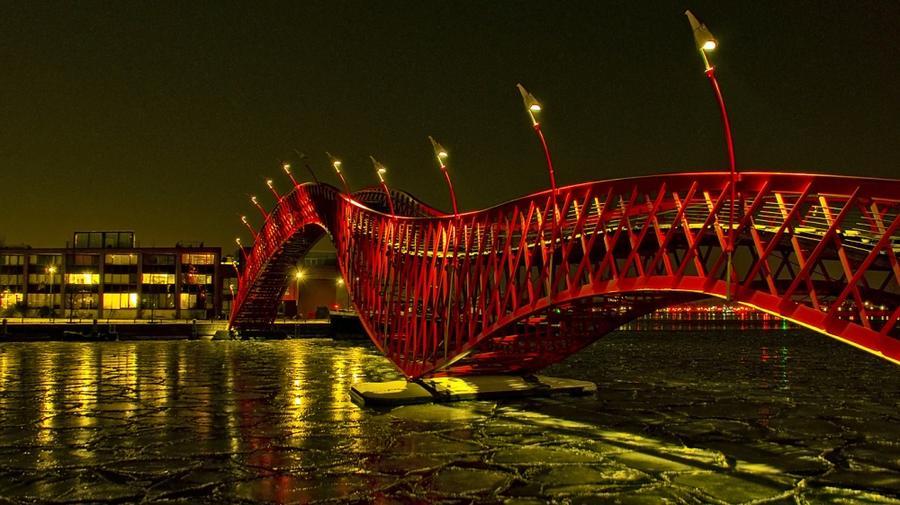 10. Мост Питон, Амстердам