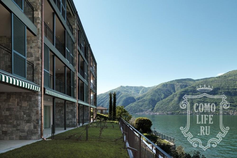 © comolife  Место: берег озера Комо квартира-студия терраса свидом наозеро, горы иостров Ко