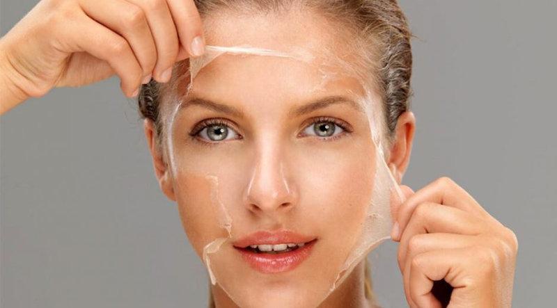 1. Маска для блескаигладкости волос Смешать 1 ст.л. желатина, 1 стакан теплой воды, 1 ст.л ябл