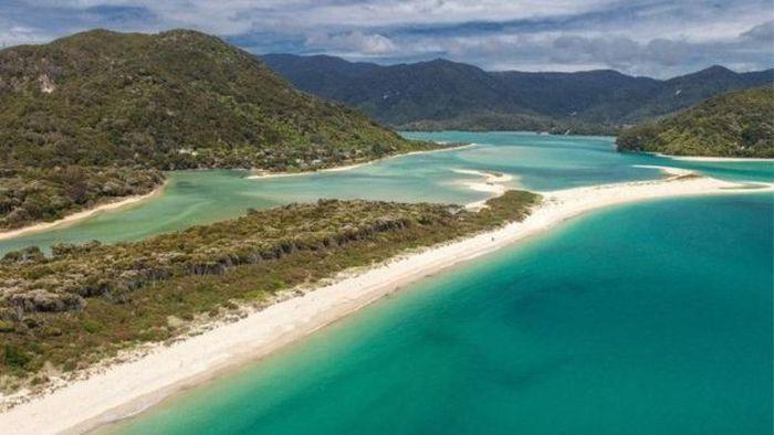 В Новой Зеландии выкупили частный пляж, и сделали общественным