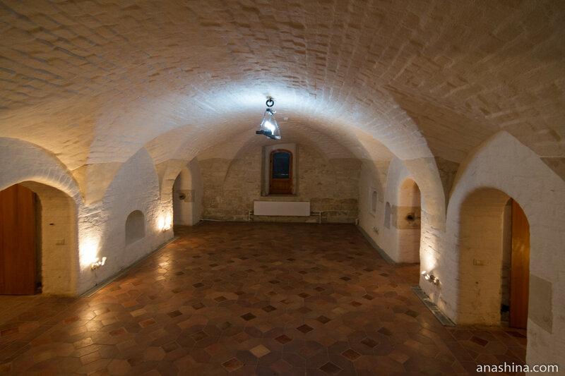 Сени первого этажа, палаты Аверкия Кириллова, Москва