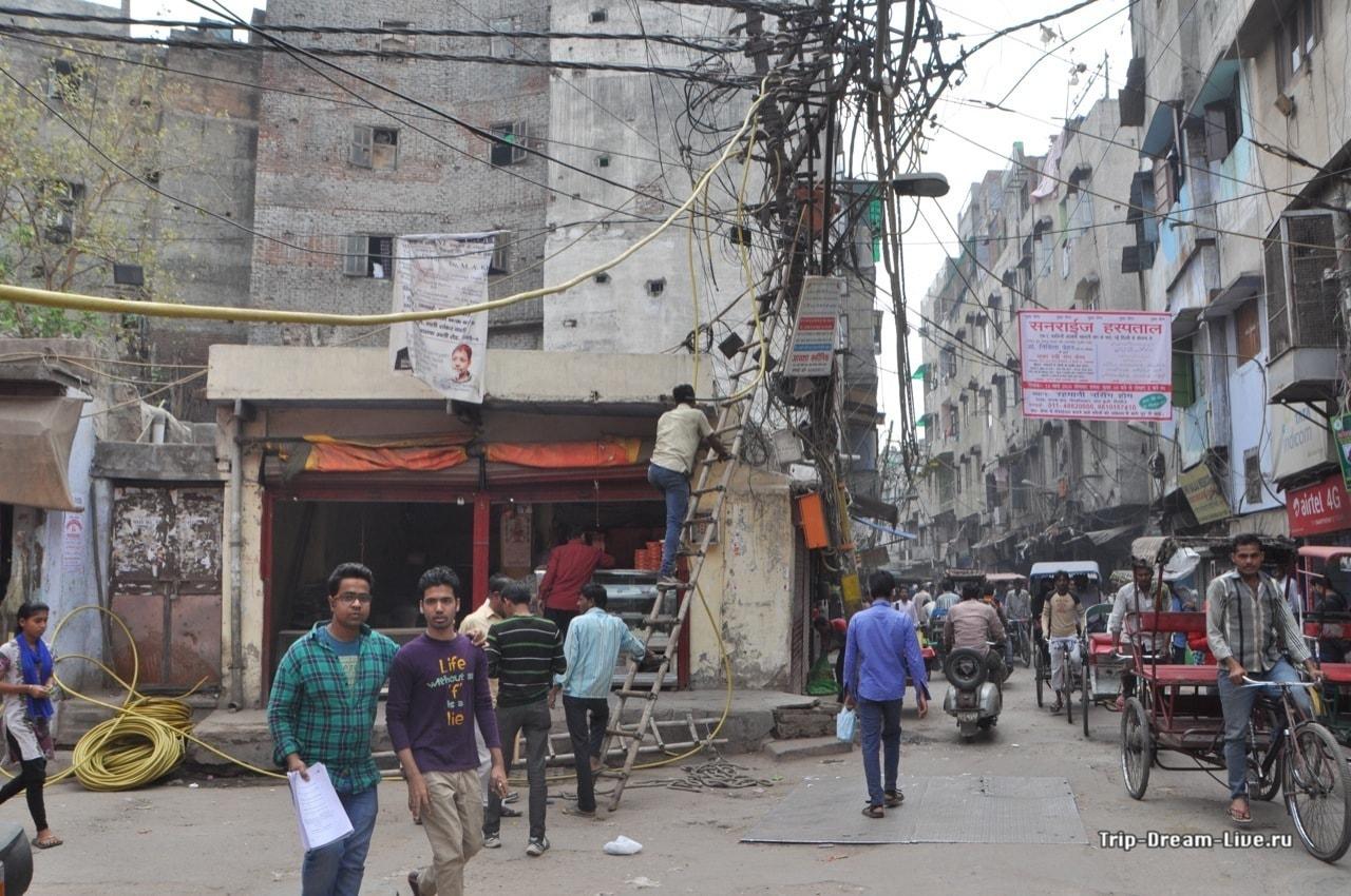 Суровые индийские электрики