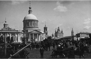 Базарный день на Красной площади