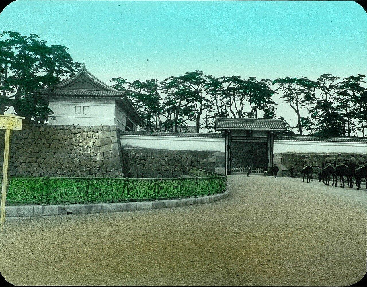 Токио. Ворота Императорского дворца