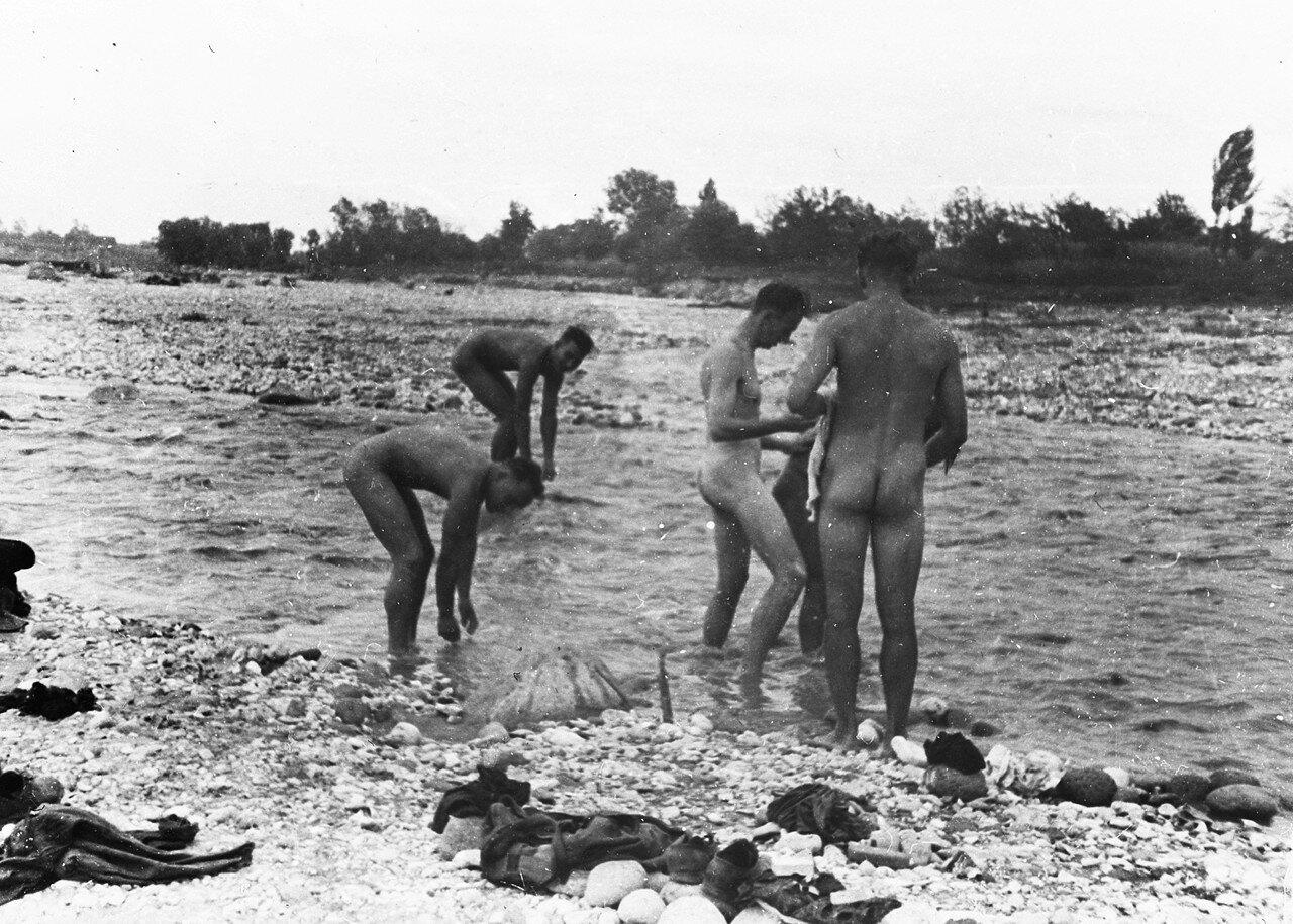 15 сентября. Нальчик. Большая стирка в реке после напряженного перезода
