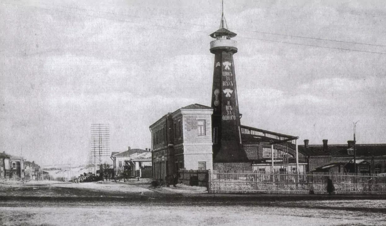 Перекресток Николаевского проспекта и Спасской улицы