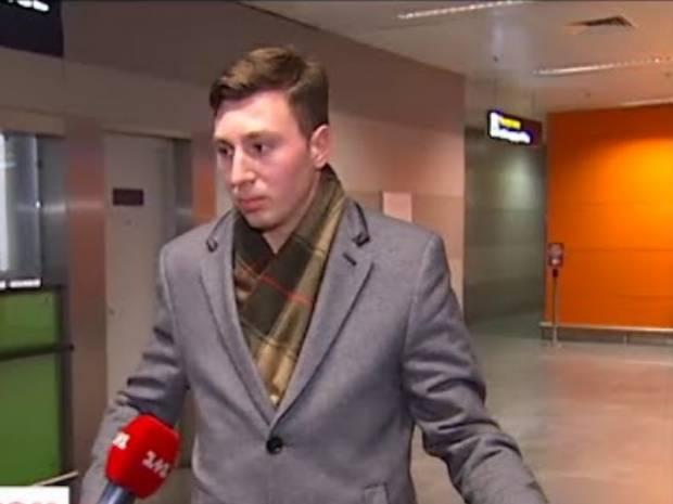 За четыре года ни одного выговора: Нахімовця, который отказался присягать России в Севастополе, выгнали с позором из одесского заведения (видео)