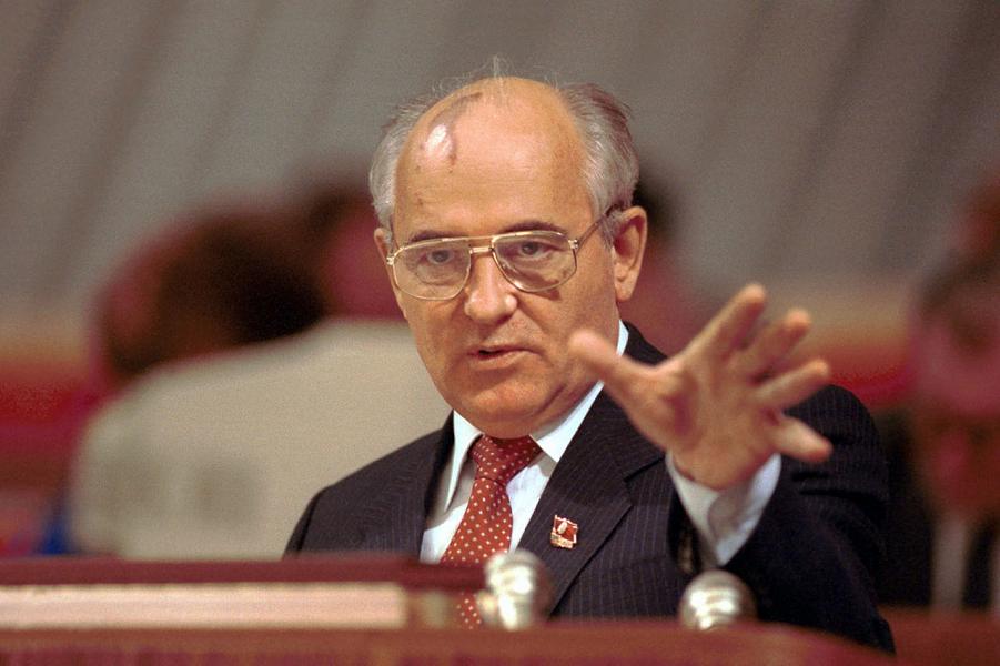 Генеральный секретарь ЦК КПСС Горбачев.png