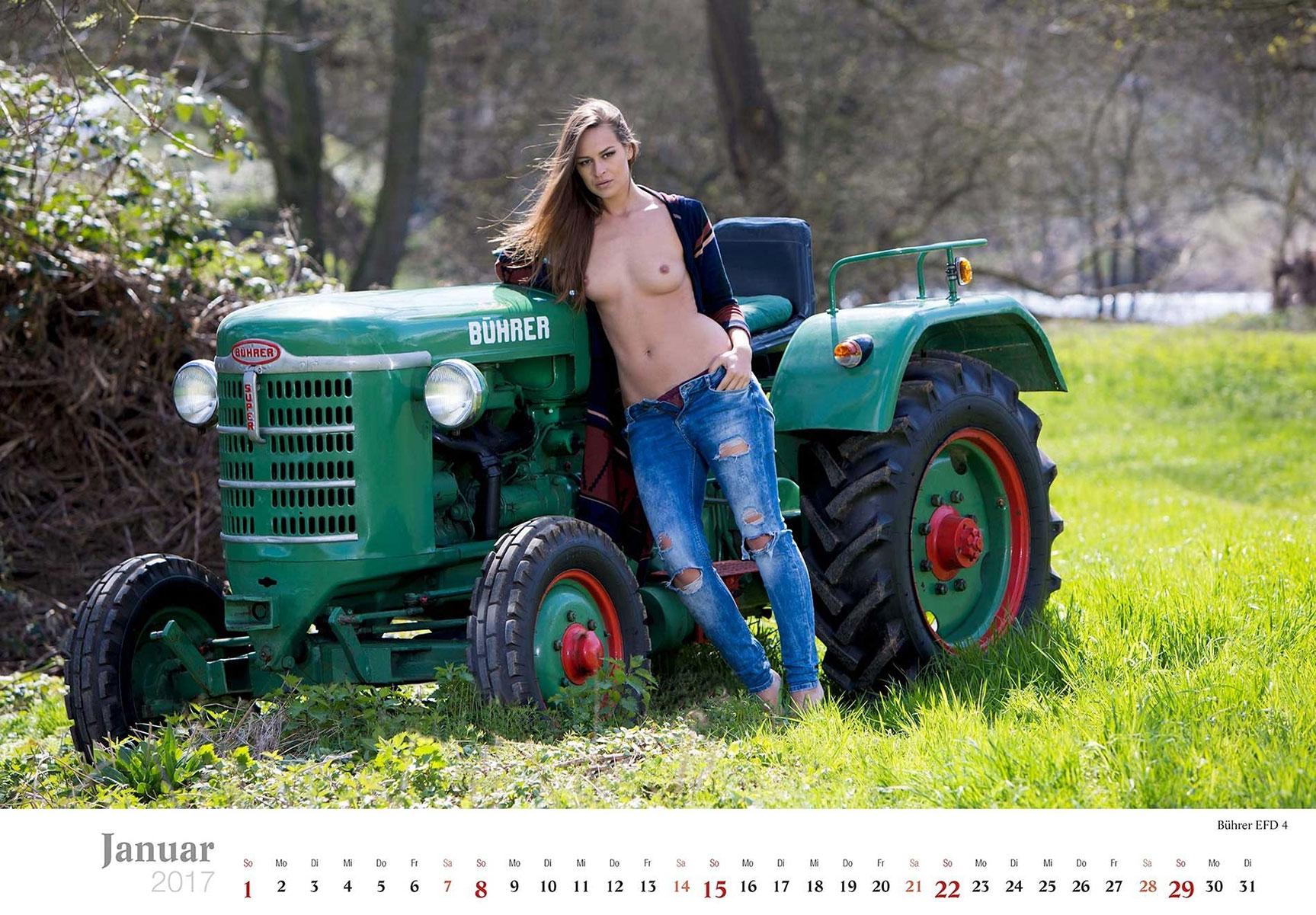 Секс и трактор, Порно: Фермер трахнул блондинку на своем тракторе 17 фотография