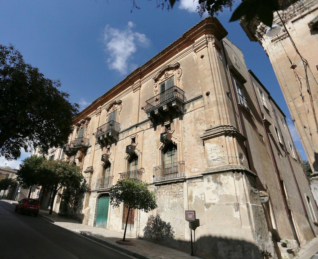 Ragusa. Bertini Palace (Palazzo Bertini)