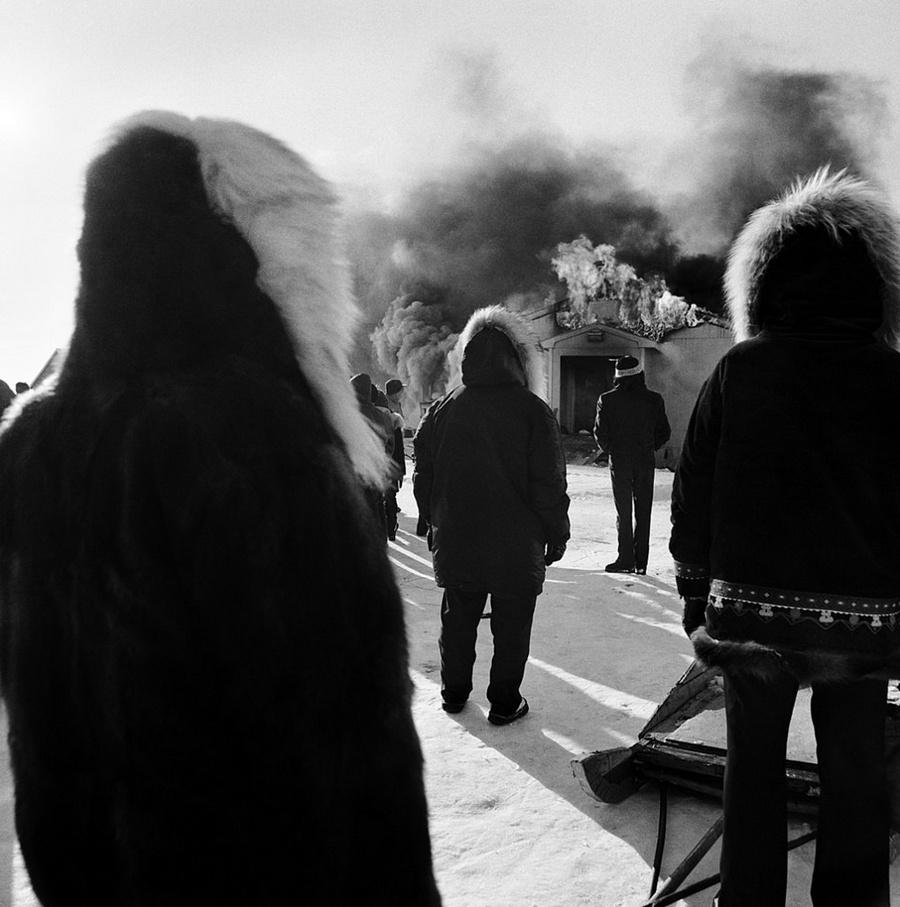 Жизнь в эскимосских деревнях Аляски. Фотограф Алекс Харрис