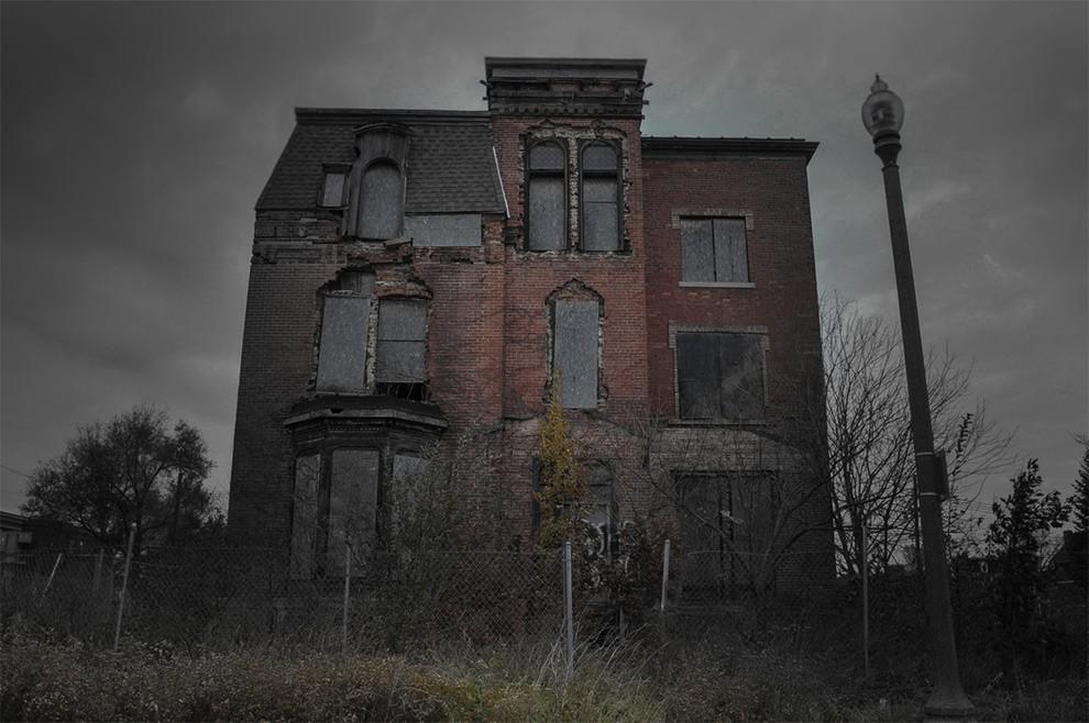 1. В 1941 году этот дом был борделем. Годы спустя в подвале были найдены несколько тел, у каждого из