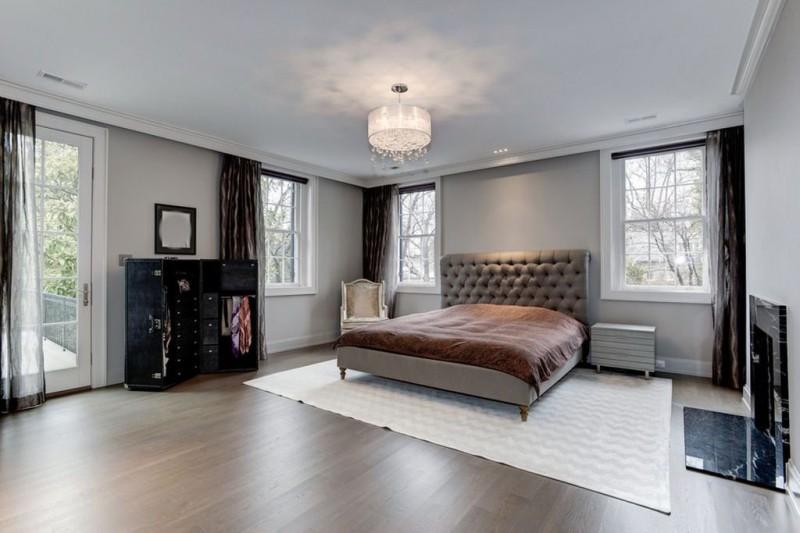 Одна из шести спален.