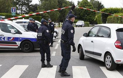 ВоФранции задержали таксиста, подозреваемого вподготовке нового теракта