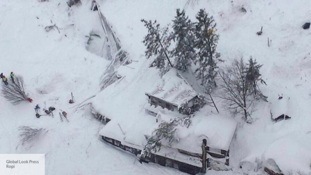 Пятерых выживших отыскали витальянском отеле, накоторый сошла лавина
