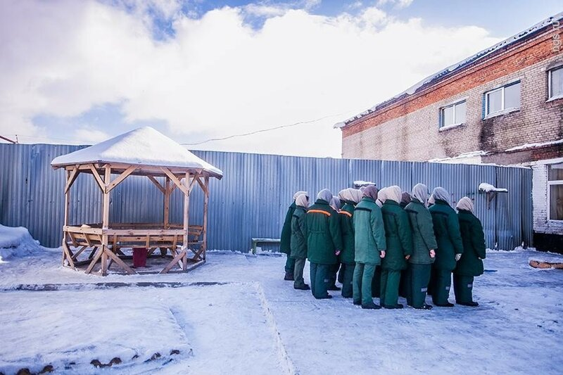 Что лучше не делать в российских женских колониях