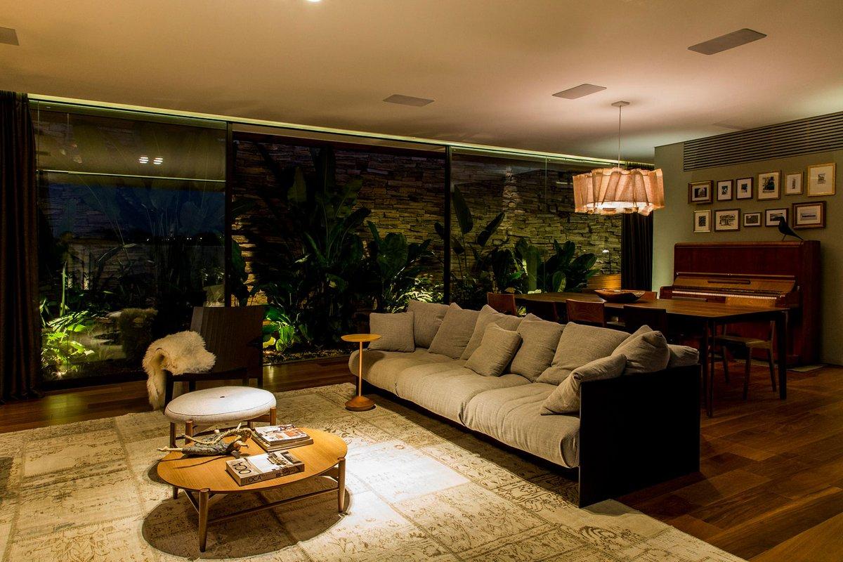 Оформление гостиной в доме