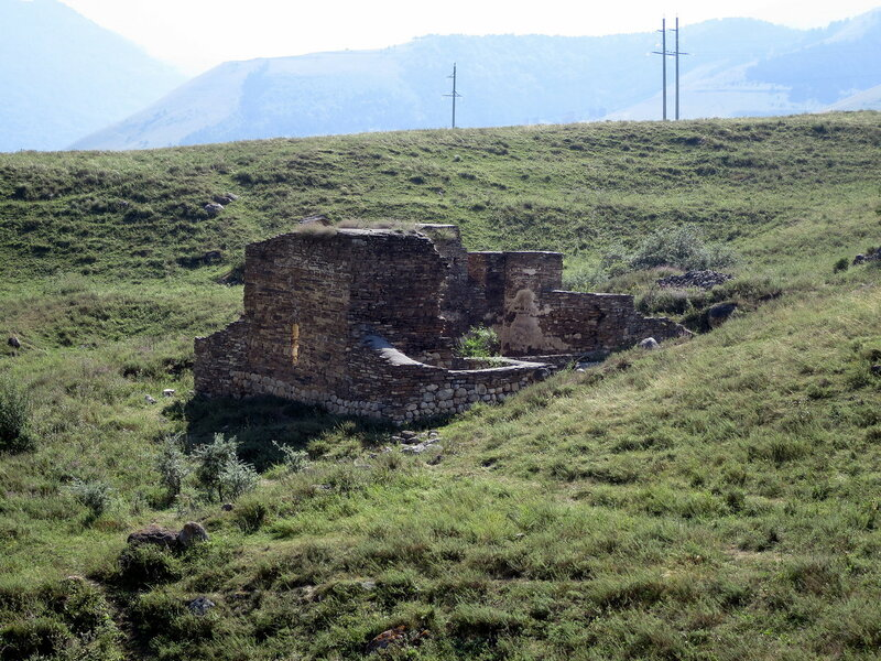Руины храма Алби-Ерды