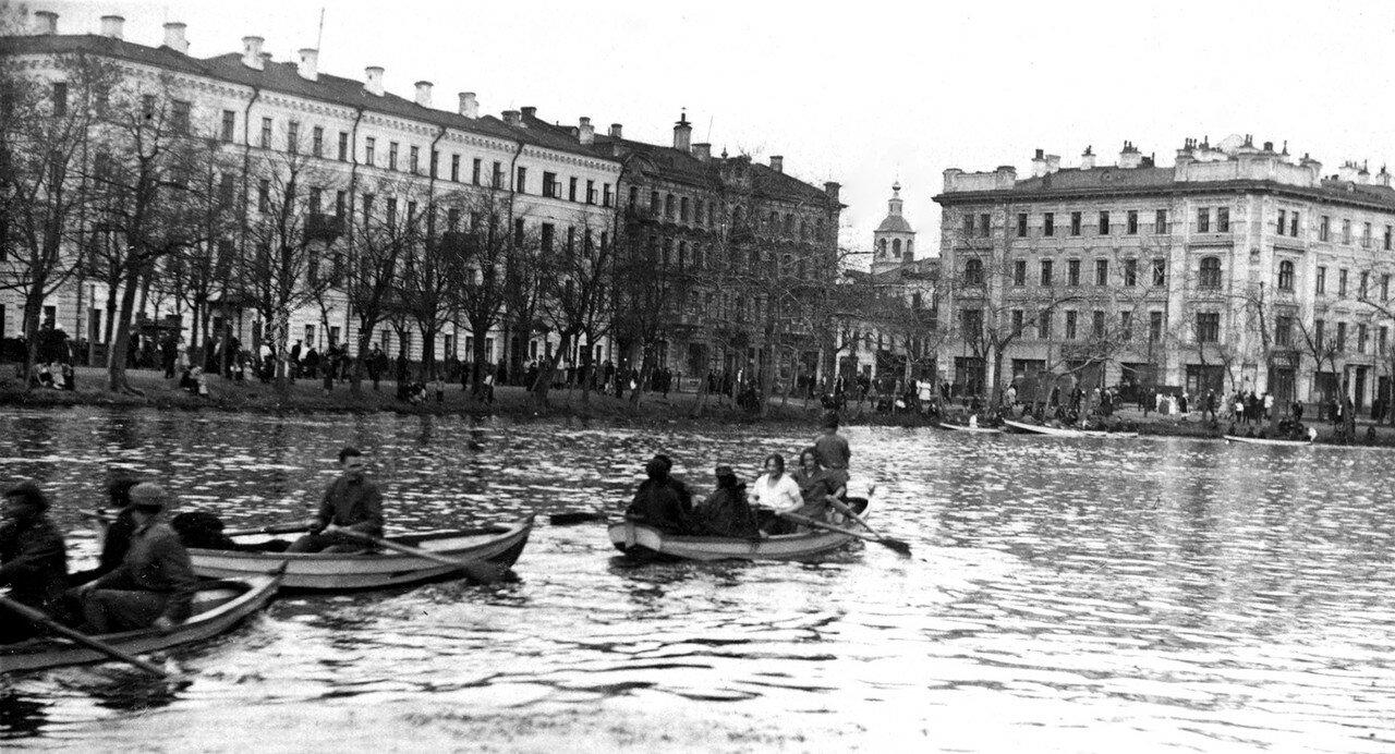 576137 Чистые пруды 1929 Семён Савельевич Ильин.jpg